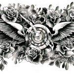 Rückentattoo Uhr mit Flügel und Rosen